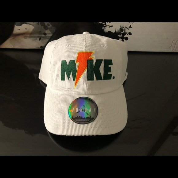 fc613f0ea0b1 NIKE AIR JORDAN LIKE MIKE GATORADE H86 HAT